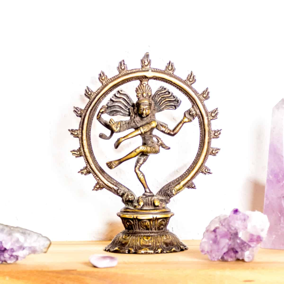 Yoga ist ein jahrtausendealtes Übungssystem zur Einheit und Harmonie von Geist und Seele