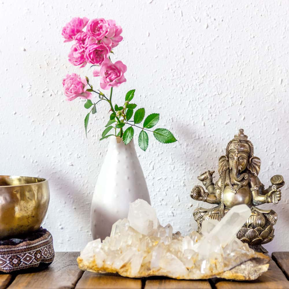 Yoga ist eine heute weltweit bekannt, geachtet und als wirksame Präventions- und Heilmethode etabliert.